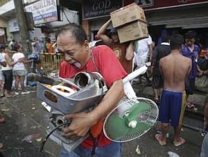 looting-tacloban
